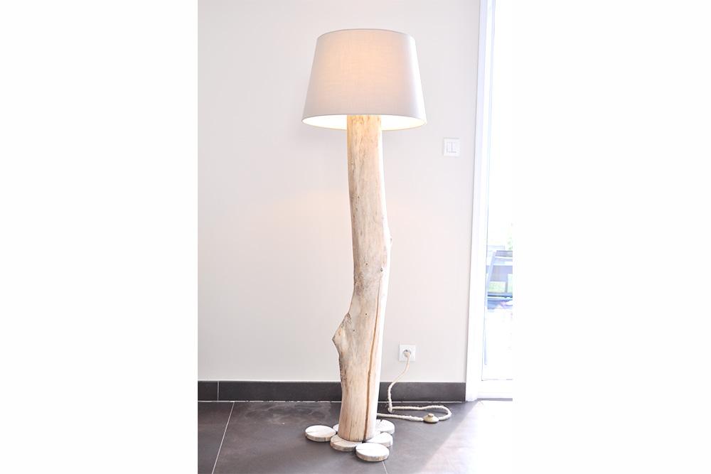 les lampadaires en bois flott la vie du bois bordeaux. Black Bedroom Furniture Sets. Home Design Ideas