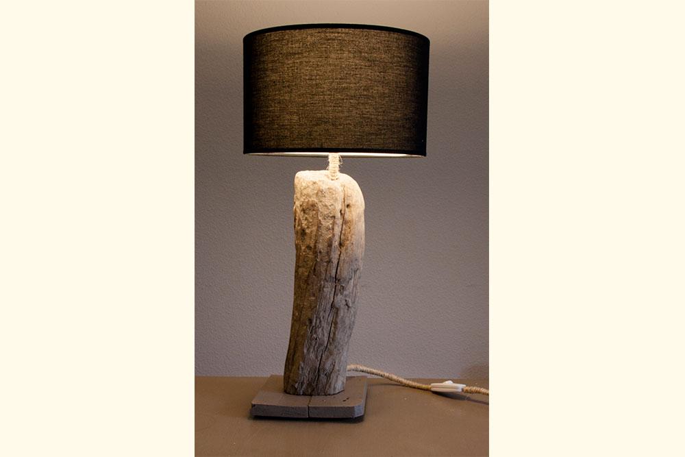Les lampes en bois flott la vie du bois bordeaux for Lampes en bois flotte