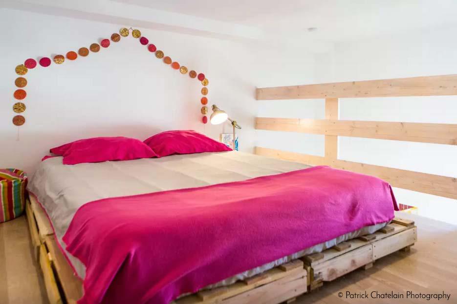 lits et t tes de lit en bois de palettes la vie du bois bordeaux. Black Bedroom Furniture Sets. Home Design Ideas