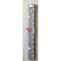 Toise Chloé taupe La vie du bois de récupération pour la décoration de votre chambre d'enfant